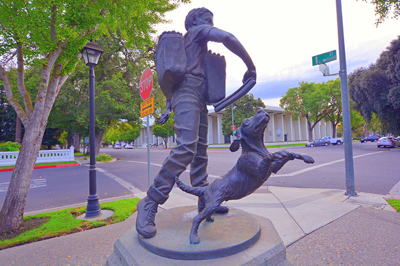 Paper Boy sculpture by Betty Saletta